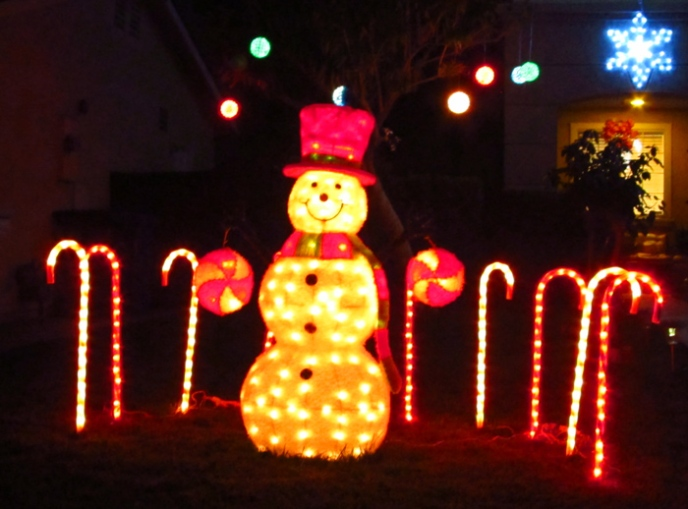 Wordpress weekly photo challenge: Let there be light - Snowman Christmas lights