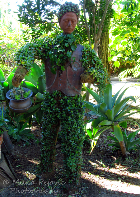 Gardener topiary - San Diego Botanic Garden