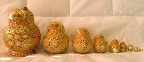 Sunday Post: Arrangement of Russian nesting dolls in line