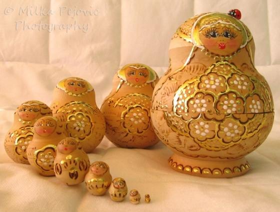 Sunday Post: Arrangement of Russian nesting dolls in spiral
